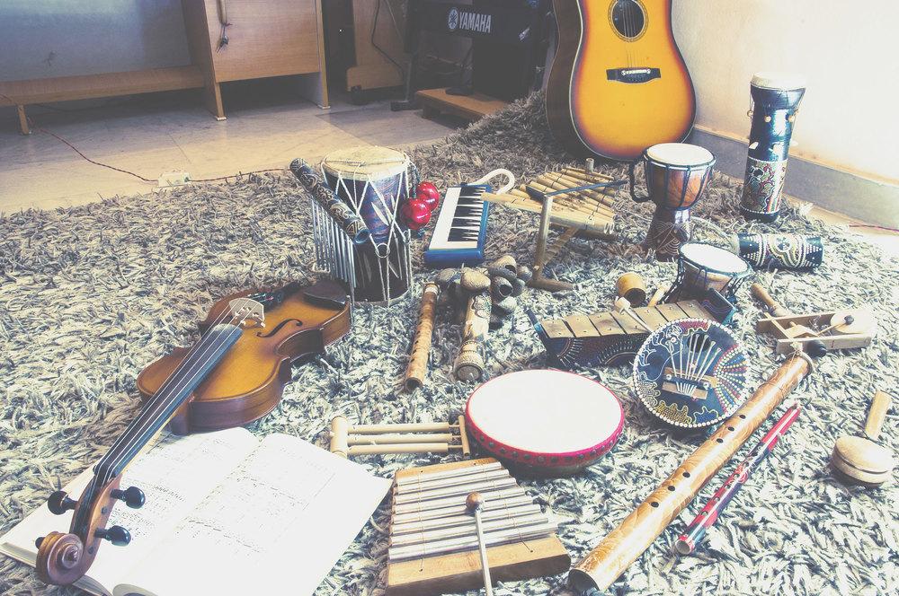 の 屋 近く 楽器